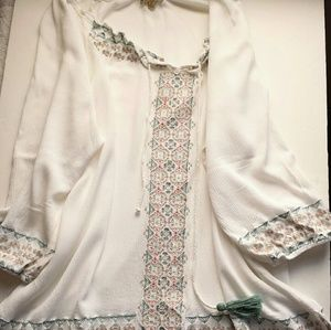 Democracy Embroidered 3/4 Sleeve Peasant Top L